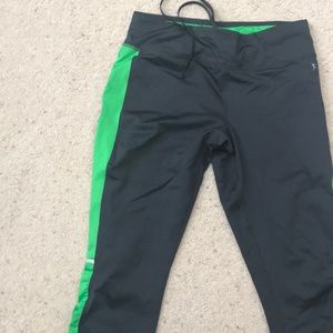 Fitted Capri workout pants